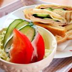 プルメリア - 野菜が新鮮で歯ごたえもいいサラダ