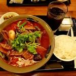 Chuugokukyoudoryourikinri - 豚レバー激辛麺+ライスセット