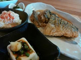 惣 - 「定食屋さん風 鯖のみそ煮定食」の三菜