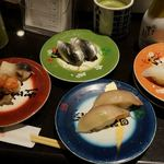梅丘寿司の美登利総本店 - 料理写真:自家製小肌 160円 すみいか 200円 貝づくし 350円 シマアジ 300円