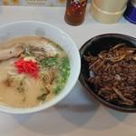 らーめん まるじゅう - 料理写真:ラーメン+焼肉丼のセット