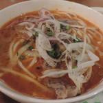 ベトナム食堂フォー・ホア - フエ式ピリ辛牛肉ブン麺