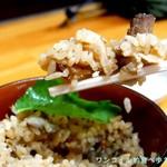 中華そば ひらこ屋 - ごぼうの香りも食欲そそる炊き込みご飯