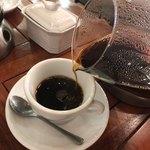 エールカフェ - 注ぎます✨楽しい