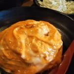 93406395 - チャーライ Aセット890円税込み 餃子2種 わかめスープ サラダ(キャベツの刻んだものにドレッシング)