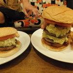バーガーズ - 大きさ比較(笑)