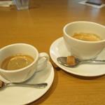 カフェ スティロ - エスプレッソとダブルエスプレッソ