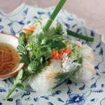 白身魚と野菜の生春巻き(2本)