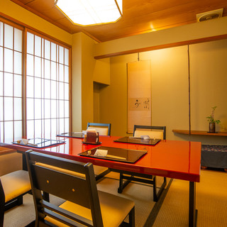 【完全個室完備】ほっと和やかになるお部屋はおもてなしに最適。