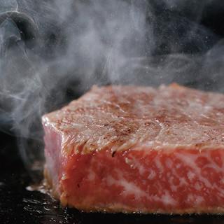"""多種多様なコース料理をご用意!広島の""""神石牛""""も堪能できる"""