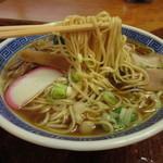 清水屋食堂 - 自家製 平打中細麺
