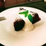 joy - デザートにショコラケーキを