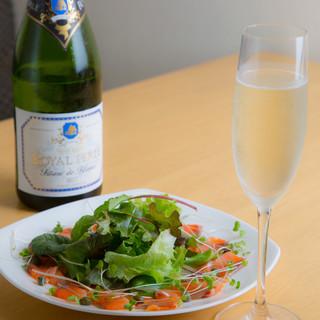 ペアリングを楽しんで♪料理に合わせて楽しむ豊富なグラスワイン
