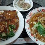 美山飯店 - 豚バラ丼+ワンタンスープのセット