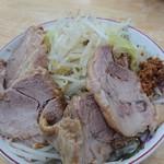 バカ盛りらーめん TABOO - 料理写真:GTR 野菜増し+トッピングチャーシュー