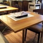 ノワ・ド・ココ - テーブル席
