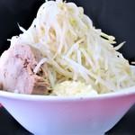 ラーメン ハイキック - 料理写真:ラーメン(並)+ヤサイマシニンニク