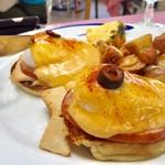 Hau Tree Lanai Restaurant - Egg Benedict B  20.00ドル