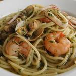 プラージュスッド - 海の幸のスパゲッティ、ローズマリー風味
