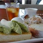 洋駄菓子工房 ル マサ - トースト、アイスのせ