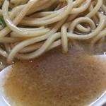 UMAMI SOUP Noodles 虹ソラ - 豚出汁が重厚、鯖節が上品な甘味