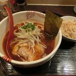麺処 あす花 - 赤いラーメン800円+だし炊きごはん