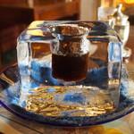 神戸にしむら珈琲店 - 氷の器のアイスコーヒー