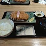 とんかつ 豚肉お料理 純 - 定食