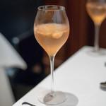 レストラン マノワ - 2018.9 旬のシャーベットとシャンパン(1,500円)スモモのシャーベット