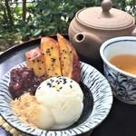 萠茶 - 大学芋と白玉小豆アイスクリーム