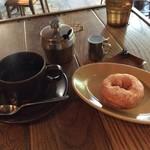 93463609 - コーヒーとドーナツ