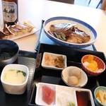 93465197 - 鯛のあら炊き定食と鯛餃子
