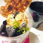 モカジャバカフェ - コーヒーOREOパフェ。甘さが控えめで個人的に好みでした!