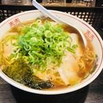 ひすい - 料理写真:チャーシュー麺(大)