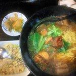 龍記 - 豚バラ角煮拉麺と炒飯セット