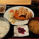 海鮮居酒屋 三郎 - 鯵フライと鶏の唐揚げ定食¥780-