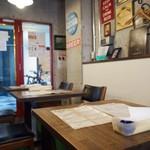 スターボード - 店内(テーブル席)
