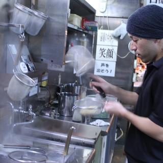 麺の硬さ、辛味だれの量、味、油の量など好みのご注文を!