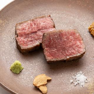 """誇ってきた""""肉の仕入れ""""。舌の肥えた通が感動する逸品和牛。"""