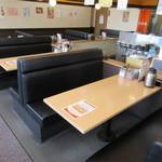 天ぷら はまや - テーブル席♪
