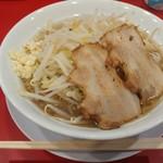 ラーメン豚珍 - ラーメン(小) 780円