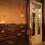 アンデパンダン - レトロ感溢れるドア…雰囲気ある♡