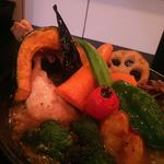 93502557 - チキンスーブカレー1200円+野菜増し300円   ご飯100円