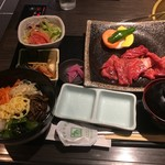 飛騨牛焼肉・韓国料理 丸明 - 切り落としでもこのレベル