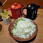 寿庵 - 千切りキャベツ・ドレッシング類