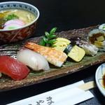 まるやま - うどんとお寿司セット1500円