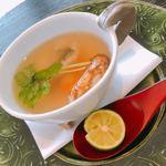 京料理いしす - 御椀:松茸土瓶蒸し、鱧、海老