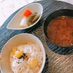 京料理いしす - 御食事:栗ご飯