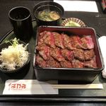 93511037 - ステーキ重(肉大盛り)1430円
