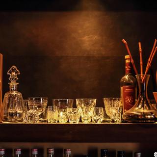 ウイスキー、ワイン、カクテルなど、魅惑の一杯をゆったりと